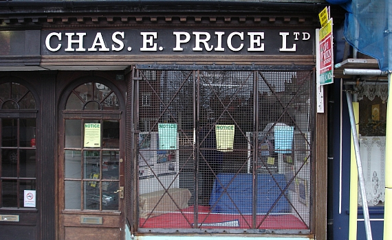 Chas E Price