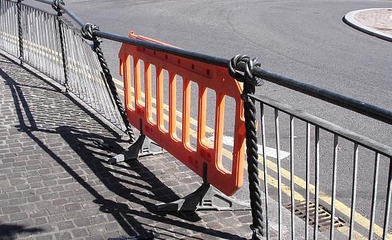 roundabout railings