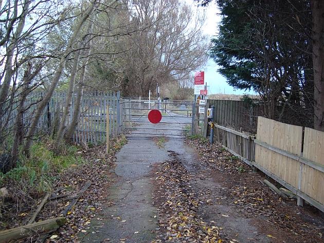 Carlton Lane crossing