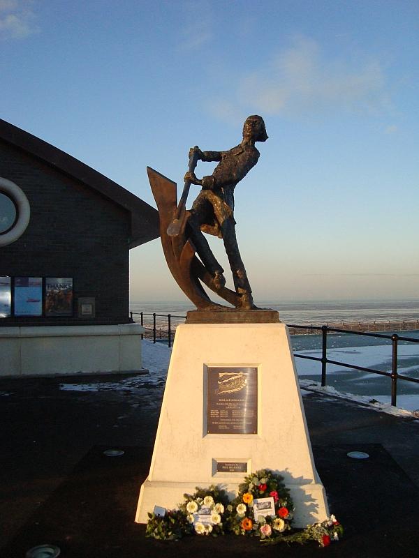 1810 memorial statue