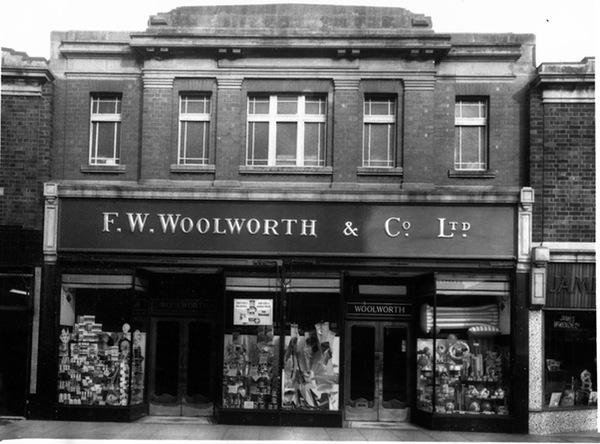 woolworths hoylake