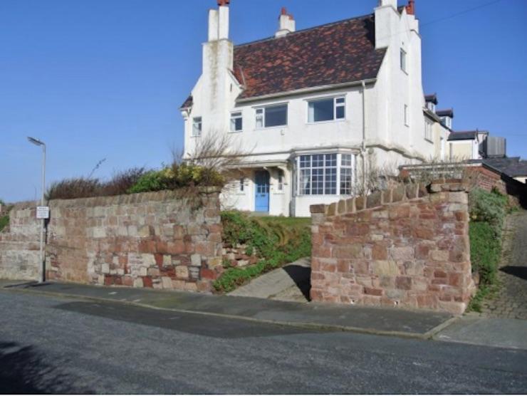 beach-road-house