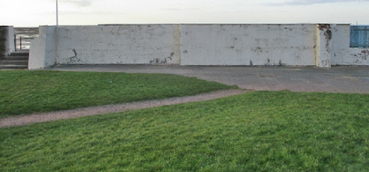 blank-wall-parade-gardens