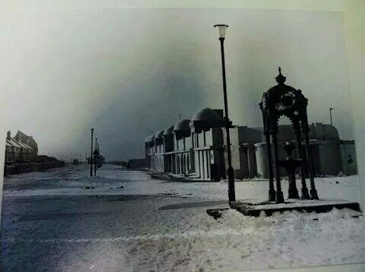 hoylake pool snow